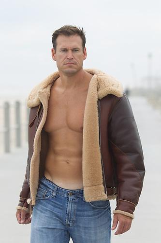 Leather Jacket No Shirt UQumd4