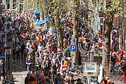 De vrijmarkt in Utrecht tijdens Koninginnedag 2012.<br /> <br /> The flee market at the Breedstraat on Queensday in Utrecht.