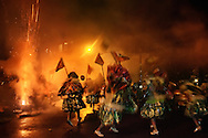 Every sunday of Carnival, the Gang of the Abusados (Abused) goes out of their base in the favela of City of God and invade all suburb and districts of Rio de Janeiro, showing their magnificent fantasy..