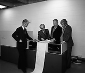 1975 - New Singer Computer At U.C.D.    (J85)