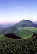 03/10/01 - CHAINE DES PUYS - PUY DE DOME - FRANCE - Photo Jerome CHABANNE