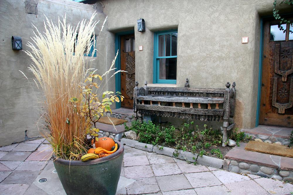 North America, USA, New Mexico, Santa Fe. Courtyard at Inn of Five Graces