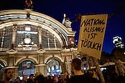 Frankfurt am Main   21 Apr 2015<br /> <br /> Am Dienstag (21.04.2015) hielt die rassistische und islamfeindliche Gruppe PEGIDA (Patriotische Europ&auml;er gegen die Islamisierung des Abendlandes) an der Hauotwache neben der Katharinenkirche in Frankfurt am Main eine Mahnwache unter dem Motto &quot;Wir sind wieder da&quot; ab. Die Kundgebung war wie immer mit Hamburger Gittern abgesperrt und von starken Polizeikr&auml;ften bewacht. Etwa 1000 Menschen nahmen an den Gegenprotesten teil.<br /> Hier: Gegendemonstranten mit einem Transparent mit der Aufschrift &quot;Refugees Welcome&quot; bei einer Spontandemo nach Ende der Pegida-Kundgebung Hauptbahnhof, bei dieser Demo ging es um Flucht und Fl&uuml;chtlinge.<br /> <br /> &copy;peter-juelich.com<br /> <br /> [Foto Honorarpflichtig   No Model Release   No Property Release]
