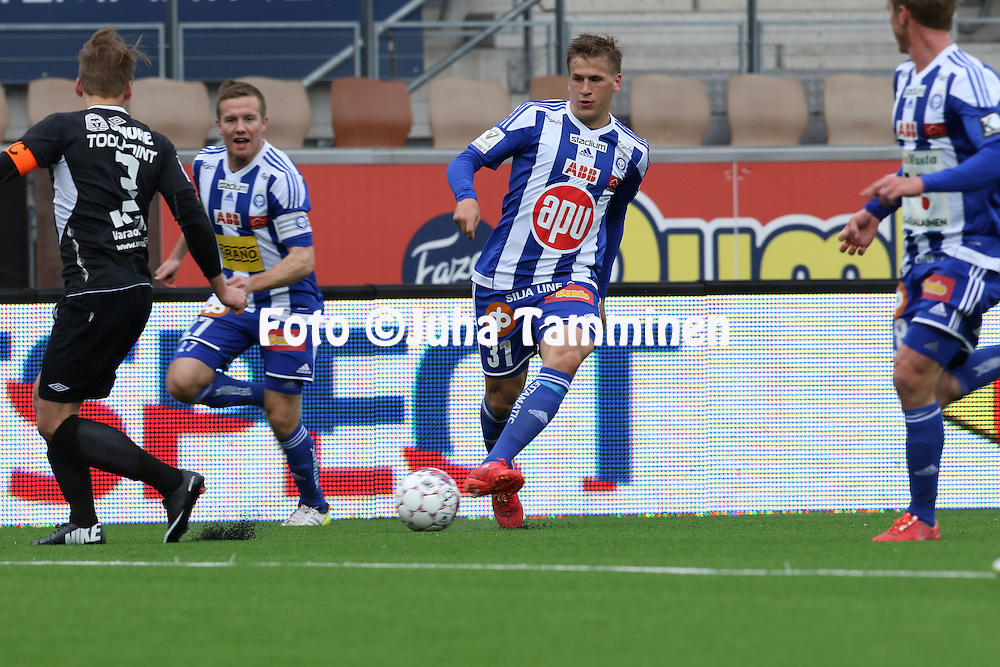 19.4.2015, Sonera stadion, Helsinki.<br /> Veikkausliiga 2015.<br /> Helsingin Jalkapalloklubi - FC Lahti..<br /> Robin Lod - HJK
