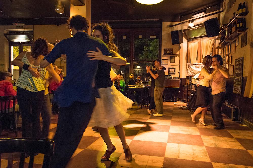 Tango au Bar Los Laureles, Buenos Aires, 2014