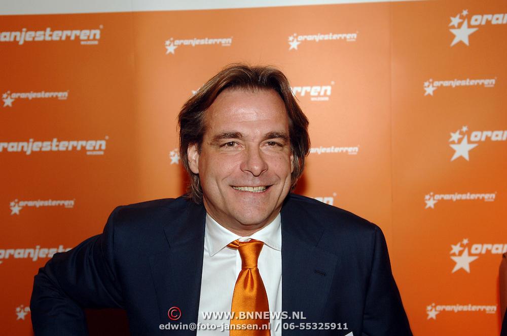 NLD/Noordwijk/20060227 - Presentatie nieuw WK spel Oranjesterren, Dick Peschar