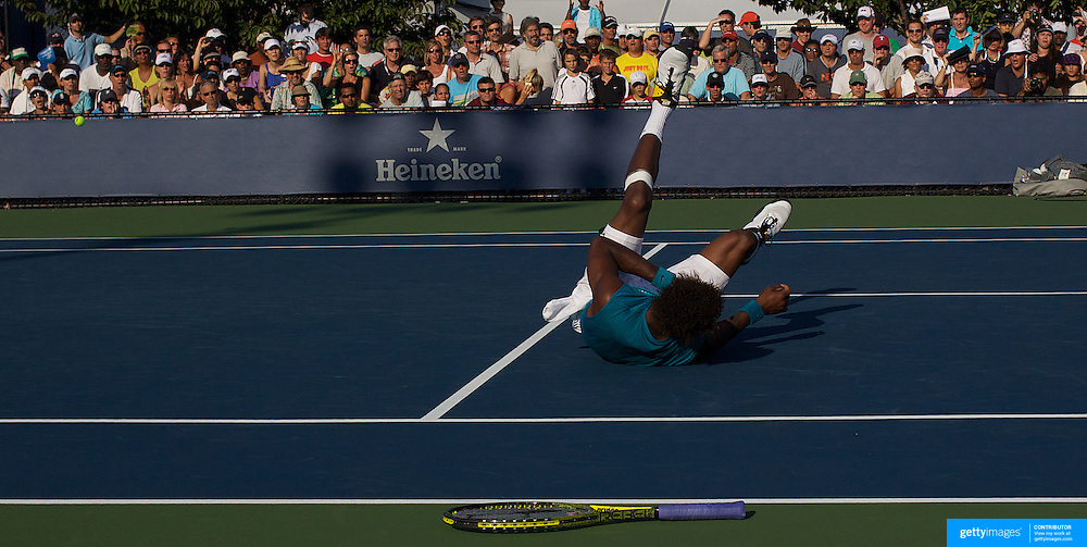 Gael Monfils, France, in action against Andreas Beck, Germany, during the US Open Tennis Tournament at Flushing Meadows, New York, USA, on Friday  September 4, 2009. Photo Tim Clayton.