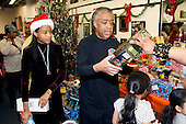 Rev. Al Sharpton & NAN celebrate Christmas serving the Community