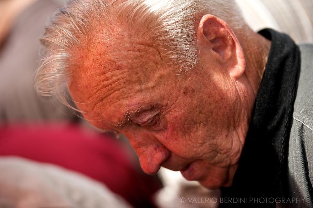 An old man praying