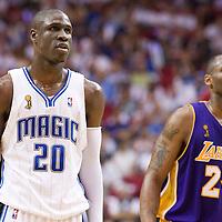 NBA - PLAYOFFS NBA 2008/2009 - LOS ANGELES LAKERS V ORLANDO MAGIC - GAME 3 -  ORLANDO (USA) - 09/06/2009 - .MICKAEL PIETRUS (MAGIC), KOBE BRYANT (LAKERS)