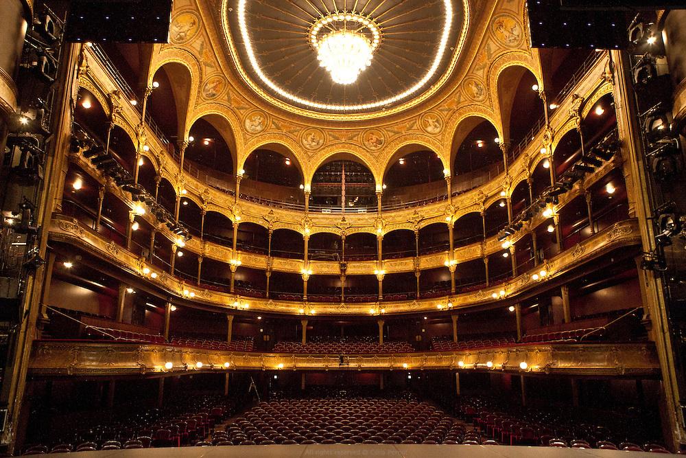 Théâtre du Châtelet, Paris.