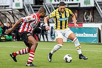 ROTTERDAM - Sparta - Vitesse , Voetbal , Eredivisie , Seizoen 2016/2017 , Het Kasteel , 11-12-2016 ,  eindstand 3-1 , Vitesse speler Adnane Tighadouini (l) in duel met Sparta speler Denzel Dumfries (l)