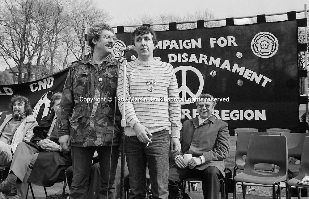Bobby Knutt & Tony Capstick at a CND rally held in Norfolk Park, Sheffield following a Regional CND demonstration. Seated are Bill Michie MP, Jack Taylor, NUM and Roy Thwaites Leader SYCC.  10 April 1982