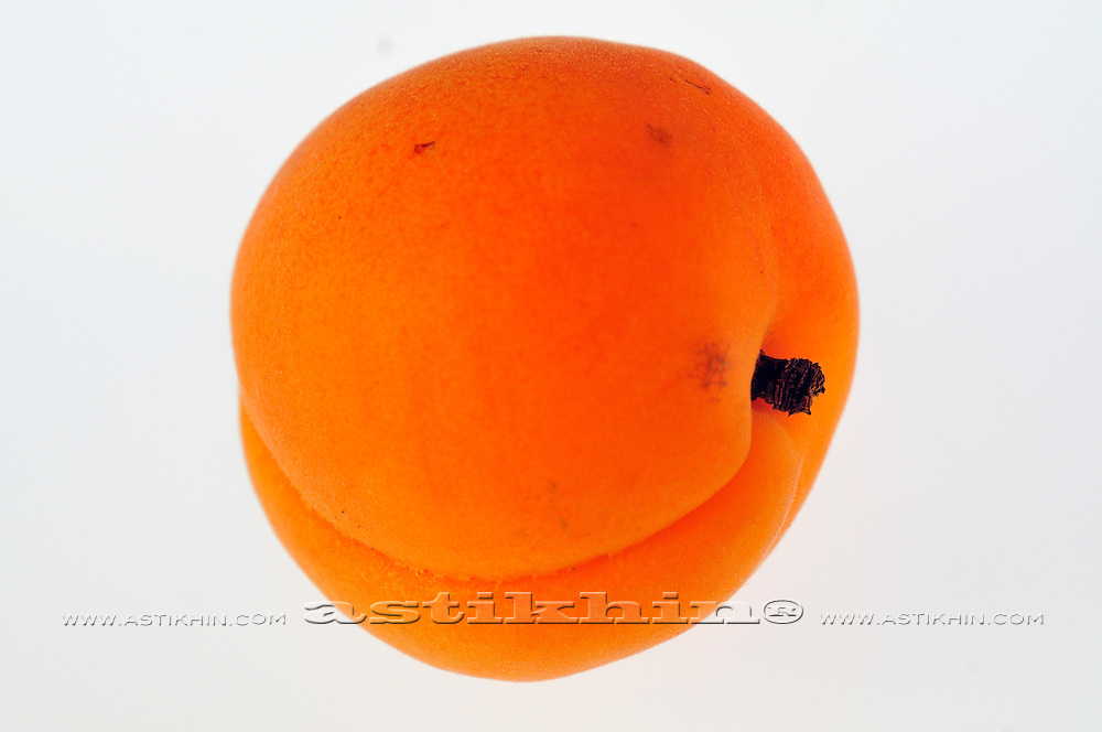 Low-calorie, low-fat, supper low-cholesterol apricot.