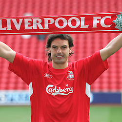 050114 Liverpool sign Morientes