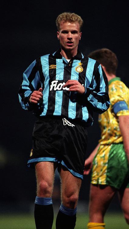 24.11.1993, Carrow Road Stadium, Norwich, England..UEFA Cup 3rd round 1st leg match, Norwich City v FC Internazionale. .Dennis Bergkamp - Internazionale.©Juha Tamminen