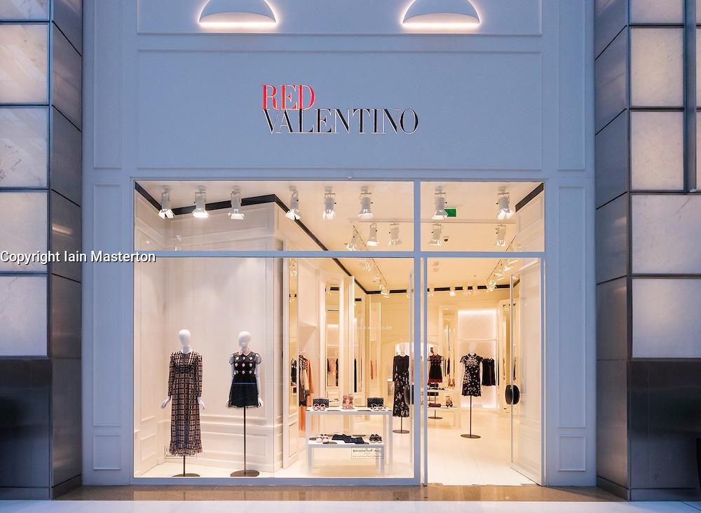 red valentino fashion shop in dubai mall dubai united arab. Black Bedroom Furniture Sets. Home Design Ideas