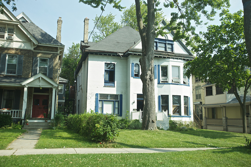 London, Ontario ---10-07-28--- Another house in a historic area of London, Ontario which has been the home to one of the of the many fraternities and sororities from the University of Western, Ontario.<br /> GEOFF ROBINS The Globe and Mail