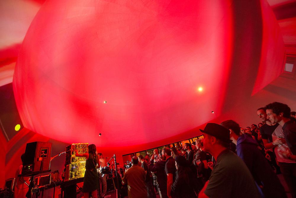 Greenspan / Sealey / Lanza (CA), Nocturne 4, SATOSPHERE, Société des arts technologiques [SAT] 2 juin 2012.