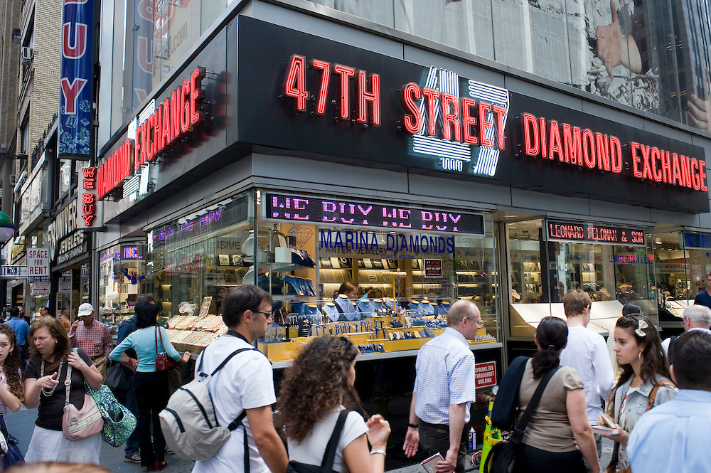 47th street diamond exchange..Diamond District New York on 47th street between 5th and 6th avenues in midtown Manhattan . The Diamond District is the world's largest shopping district for all sizes and shapes of diamonds and fine jewelry. Many suppliers and jewelry makers also have their stores and workshops right on 47th street.