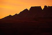 Intunja 2408m (lowest peak, with hole), Amphlett 2620m, Turret 2670m, Sterkhorn 2973m, Cathkin Peak 3149m (10,330 ft), Monk's Cowl 3234m (10,611 ft) and Champagne Castle 3246m (10,650 ft) from Arendsig,  Mdedelelo Wilderness.  Ukhahlamba-Drakensberg Park, KwaZulu-Natal, South Africa.  Nikon F100, 70-300/4-5.6D. Kodak E100VS.