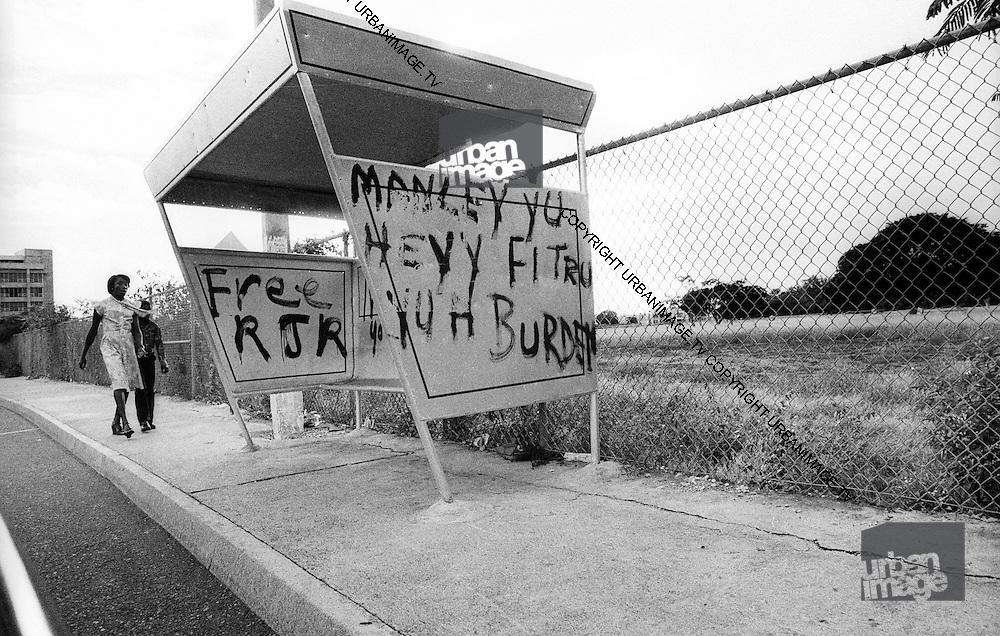 Free RJR - Kingston Bus Shelter
