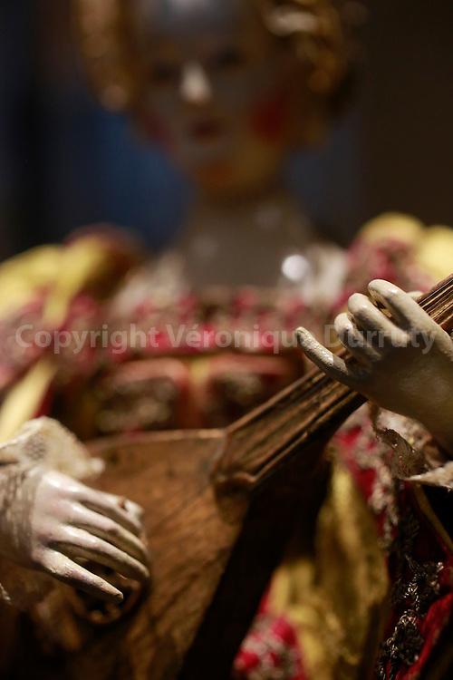 Automat, cythar player, 17th century, Kunsthistorisches Museum, Vienna, Austria // Automate, la joueuse de Cythare, 17eme siecle, Kunsthistorisches Museum, Vienne, Autriche