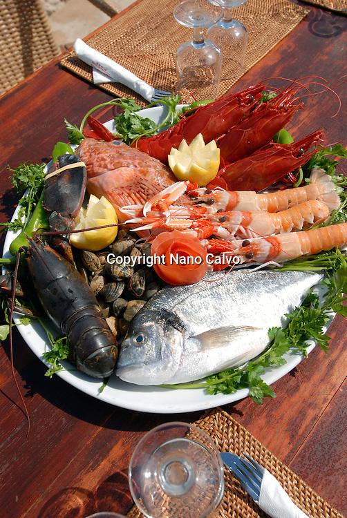 Fresh food ready to be eaten in el Chiringuito de Es Cavallet, Ibiza
