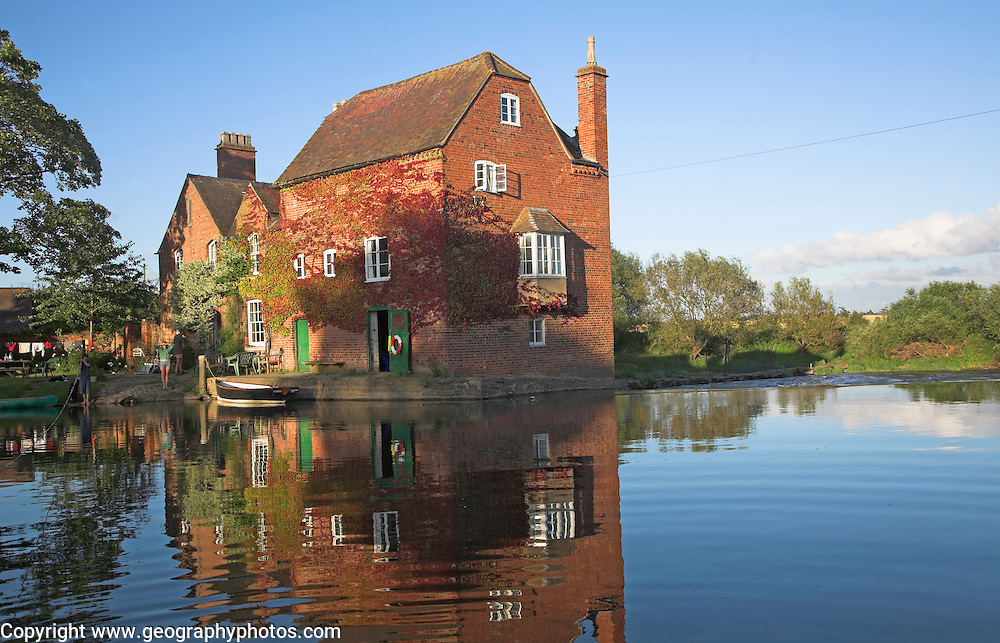 mill river dating Marlingford watermill is a historical mill dating as far back as the 1700`s it was refurbished in the 1800`s and sits on the river yare although it is not used as a.