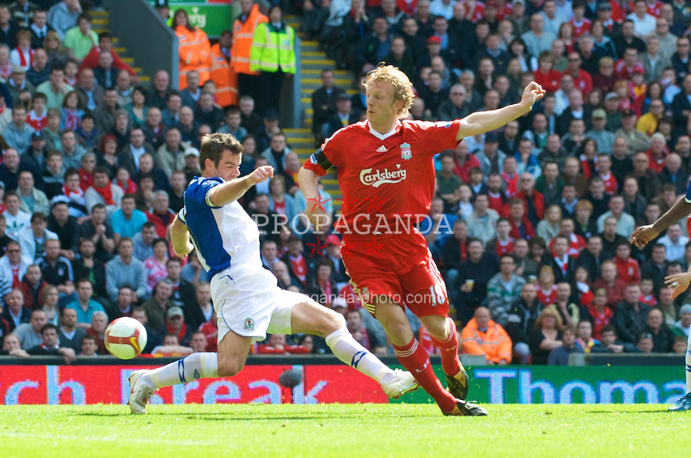LIVERPOOL, ENGLAND - Saturday, April 11, 2009: Liverpool's Dirk Kuyt and Blackburn Rovers' Ryan Nelsen during the Premiership match at Anfield. (Photo by: David Rawcliffe/Propaganda)