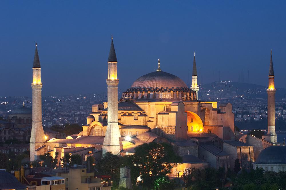 Istanbul, Turkey  May  2007 .Istanbul - Hagia Sophia (Saint-Sophia) museum, church and mosque - Turkey - Turkish mosque - minaret - tower - landscape - sunset - Islam - Islamic country - Muslim religion - Muslim World - Istanbul city  View  - travel - tourism - typical architecture - Bosporus - Bosphorus strait - night - lights - lighting -  --- Photo © EZEQUIEL SCAGNETTI  --- ..