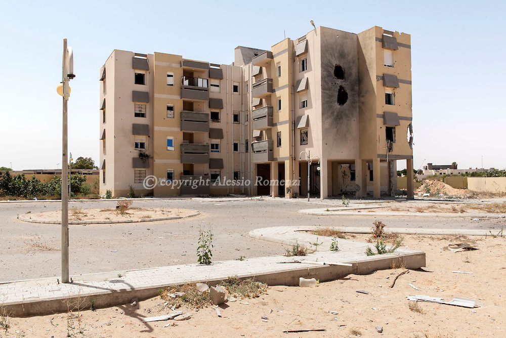 Libya: Damaged buildings by GNA artillery in 700 neighbourhood in Sirte. Alessio Romenzi