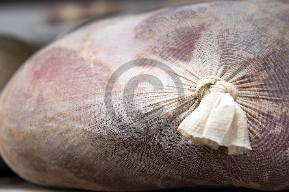 9/09/16 - LA BOISSIERE DES LANDES - VENDEE - FRANCE - Entreprise de transformation et de charcuterie artisanale Tradition de Vendee. Jambon de Vendee - Photo Jerome CHABANNE