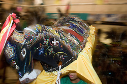 Sao Luis, Maranhao, Brasil      Jun/2006.Festa de Sao Joao, Grupo Barriquinha .Festa Junina, no centro velho de Sao Luis, patrimonio historico da humanidade, conhecida como cidade dos azulejos, colonizacao lusitana, maior area de arquitetura colonial portuguesa existente no Brasil, seculos XVIII e XIX no centro da cidade. Grupo Pindoba, de Bumba-Meu-Boi de Matraca se apresenta no espaco reviver em Sao Luis. / Bumba Meu Boi, a popular farce which takes its form as a grand musical pantomime. June Festival, popular festival, celebrated on key days following the Catholic feast days of Saint Anthony, John the Apostle and Saint Peter, in old city center. In 1997, Sao Luis was granted the title of Cultural Heritage of Humanity by UNESCO in recognition for the preservation of its magnificent and homogenous Latin American colonial architectonic complex from the 18th and 19th Centuries..Foto Adri Felden/Argosfoto