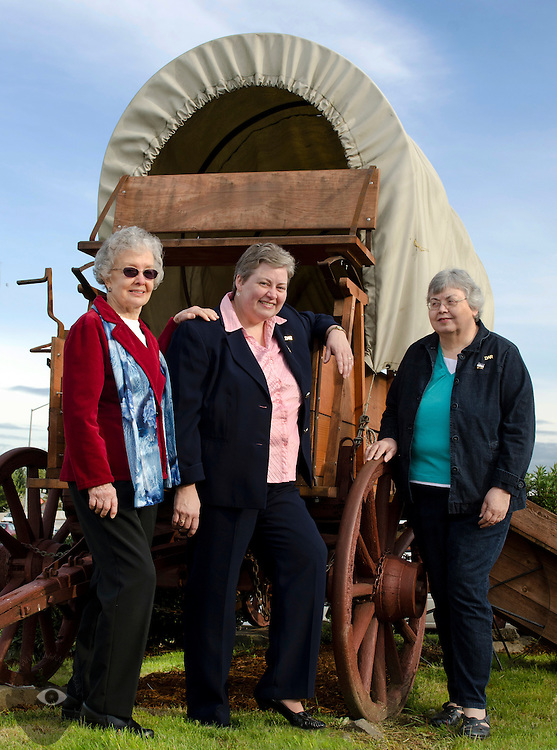 (LtoR) Ellie Nelson with sisters Nancy and Diane Root are big fans of Oregon History. The three are also dedicated members of the Sonns & Daughters of Oregon Pioneers.