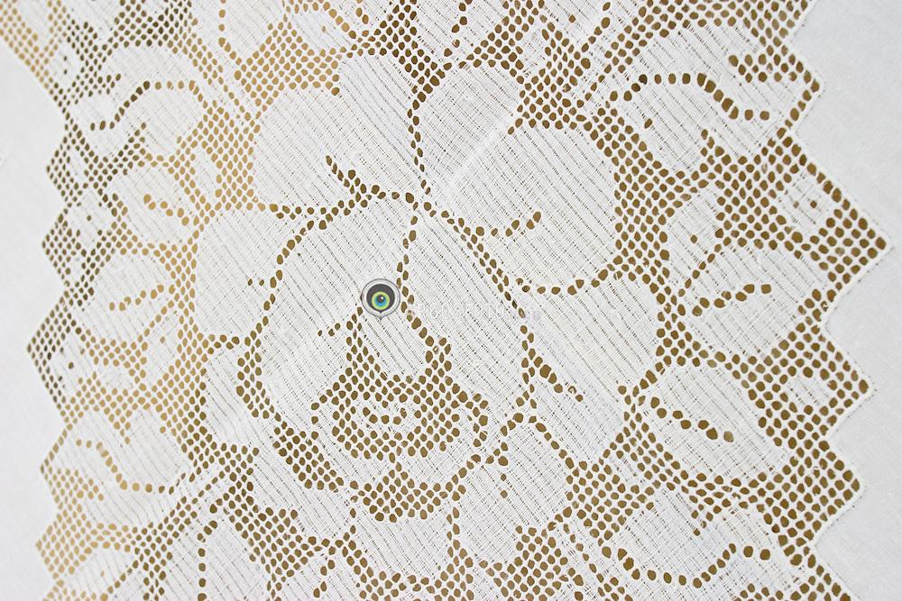 Joao Pessoa, Paraiba, Brasil..Artesanato, detalhe de toalha de  bordado de labirinto./ Detail of the labyrinth embroidering table towel..Foto © Adri Felden/Argosfoto