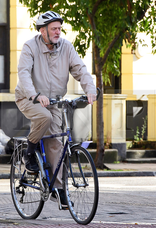 ©  London News Pictures. 16/10/2016. London, UK. Labour party leader JEREMY CORBYN seen riding his bike near his home in North London. Corbyn has been criticised by MPs in a report about Labour Party handling of anti-Semitism. Photo credit: London News Pictures.