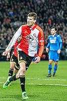 ROTTERDAM - Feyenoord - AZ , Voetbal , Seizoen 2015/2016 , Halve finales KNVB Beker , Stadion de Kuip , 03-03-2016 , Speler van Feyenoord Michiel Kramer viert de 2-1 terwijl AZ speler Joris van Overeem (r) baalt
