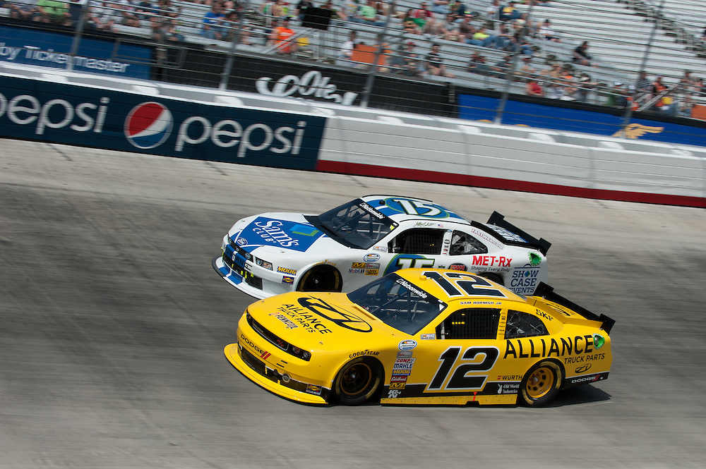 16-18 March, 2012, Bristol, Tennessee, USA.Sam Hornish Jr. (12) Jeffrey Earnhardt (15).(c)2012 Scott LePage.LAT Photo USA