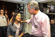 SAO PAULO - 07.10.2012. ANDREA MATARAZZO 45450. O candidato a vereador Andrea Matarazzo, acompanha a apuração em seu comitê. São Paulo, Brasil, outubro 06, 2012. DANIEL GUIMARÃES