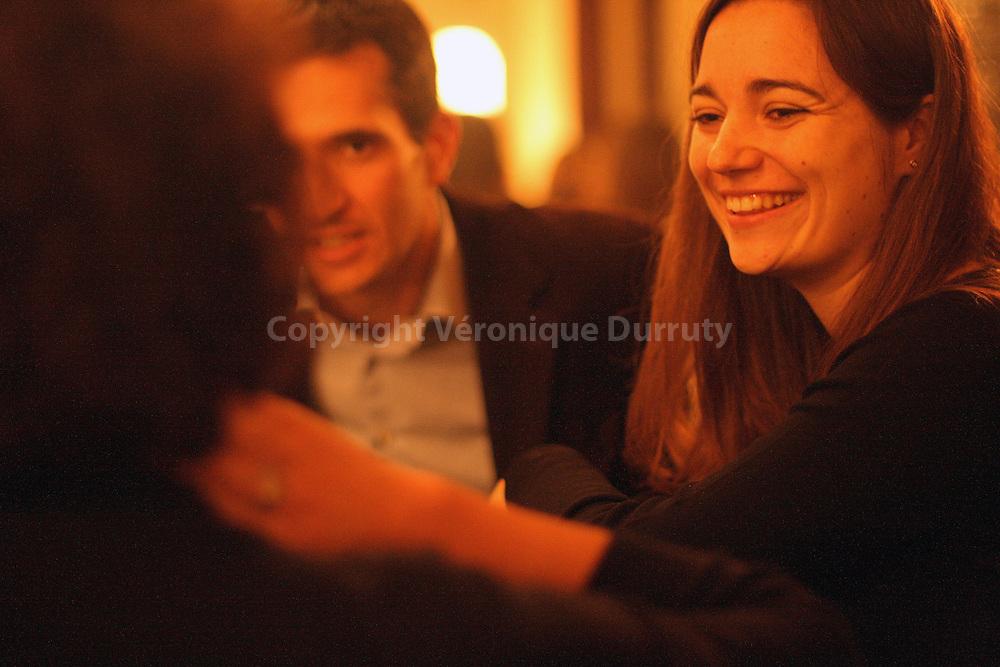 Marie Salamagne with friends at the parisian bistrot  L Oudinot (Paris VIIeme). She likes to have good time eating and driking.  Marie Salamagne avec des amis dans le bistrot parisien l Oudinot (Paris VIIeme). Marie apprecie la bonne chere et les bons vins.