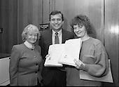 1988 - Presentation Of Donnelly Visas.   (R71).