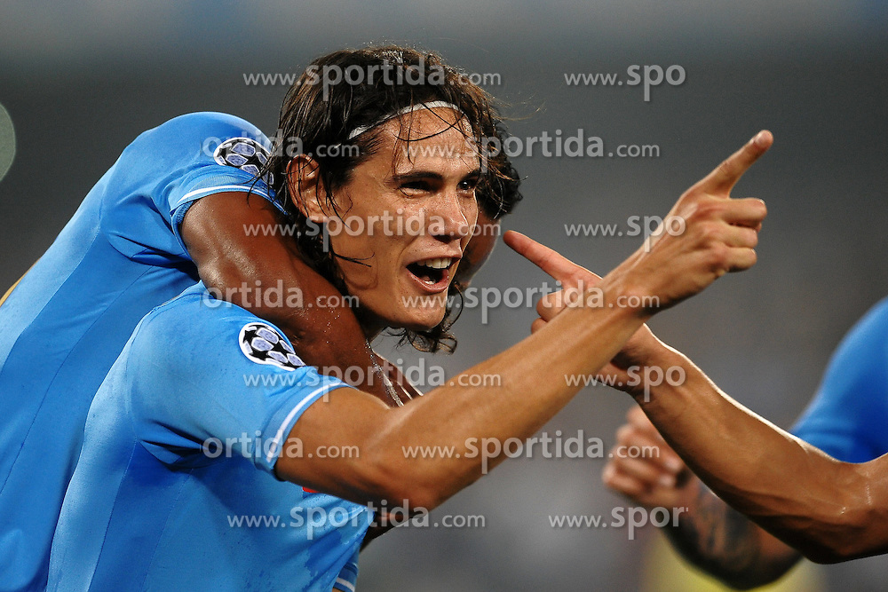 27.09.2011, Stadio San Paolo, Neapel, ITA, UEFA CL, Gruppe A, SSC Neapel vs FC Villarreal, im Bild Esultanza di Edinson CAVANI dopo il gol del 2-0.Celebration goal // during the UEFA Champions League game, group B, SSC Neapel (ITA) vs FC Villarreal (ESP) at San Paolo stadium in Neapel, Italy on 2011/09/27. EXPA Pictures © 2011, PhotoCredit: EXPA/ InsideFoto/ Andrea Staccioli +++++ ATTENTION - FOR AUSTRIA/(AUT), SLOVENIA/(SLO), SERBIA/(SRB), CROATIA/(CRO), SWISS/(SUI) and SWEDEN/(SWE) CLIENT ONLY +++++