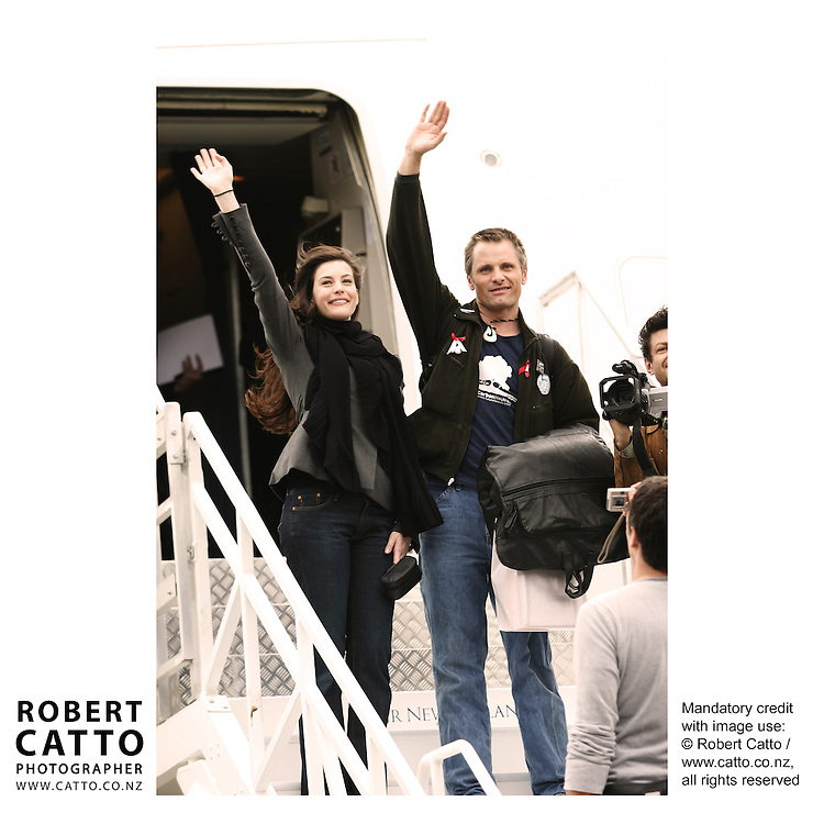 Liv Tyler;Viggo Mortenson and the cast depart Wellington after the World Premiere of The Lord Of The Rings: Return Of The King  at Wellington Airport, Wellington, New Zealand.