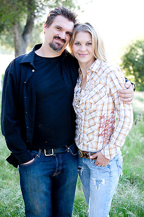 actor headshots, model headshots, environmental portraits, outdoor portraits and family portraits on location. portraits, couple portraits, couples portraits, couples photographer, couples photos