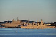 20/06/15 - TOULON - VAR - FRANCE - La Rade de Toulon et son port militaire. En arriere plan le porte helicopteres Tonnerre - Photo Jerome CHABANNE