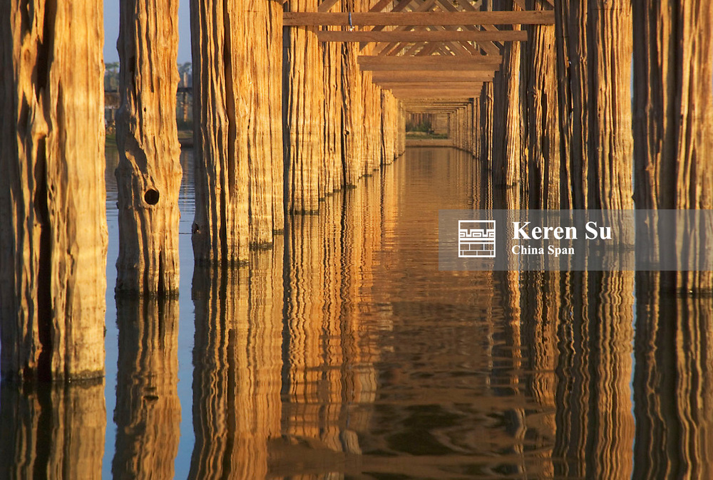 U Bein teak bridge across Taungthaman Lake, Amarapura, near Mandalay, Myanmar
