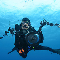 Eric Cheng with Canon D60 in Sea & Sea underwater housing, with Ikelite strobes