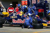 Patrick Carpentier pits at the Michigan International Speedway, Firestone Indy 400, July 31, 2005