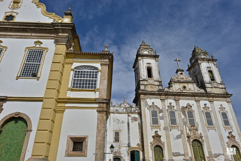 Igreja da Ordem Terceira do Carmo and the Pelourinho.